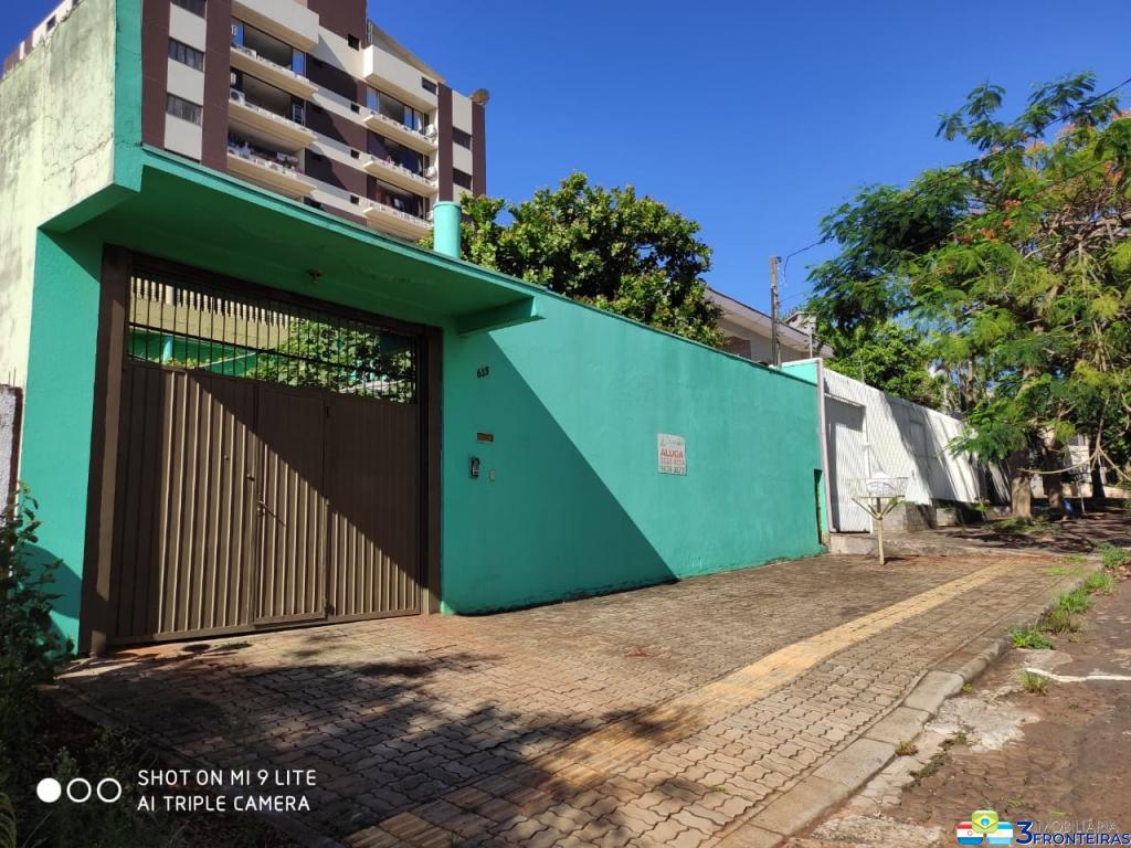 Sobrado à venda Localizado no Parque Monjolo, Foz do Iguaçu/pr.   IMOBILIARIA 3 FRONTEIRAS   Portal OBusca