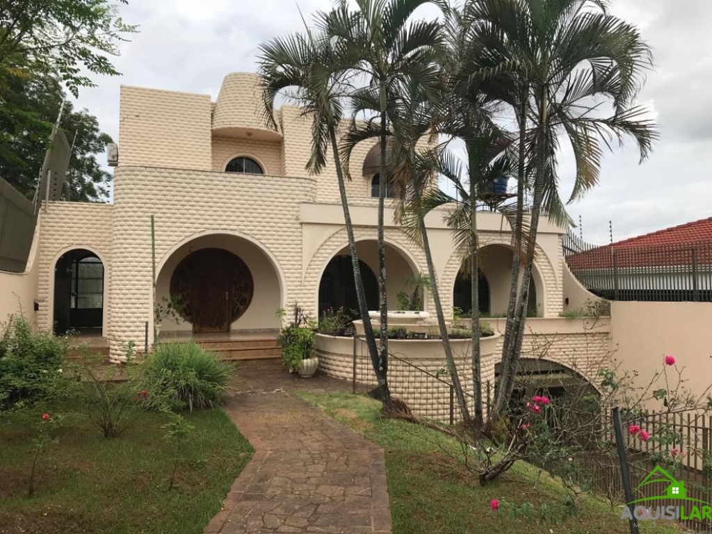 Casa Semi-Mobiliada no Centro de Foz | AQUISILAR IMÓVEIS | Portal OBusca