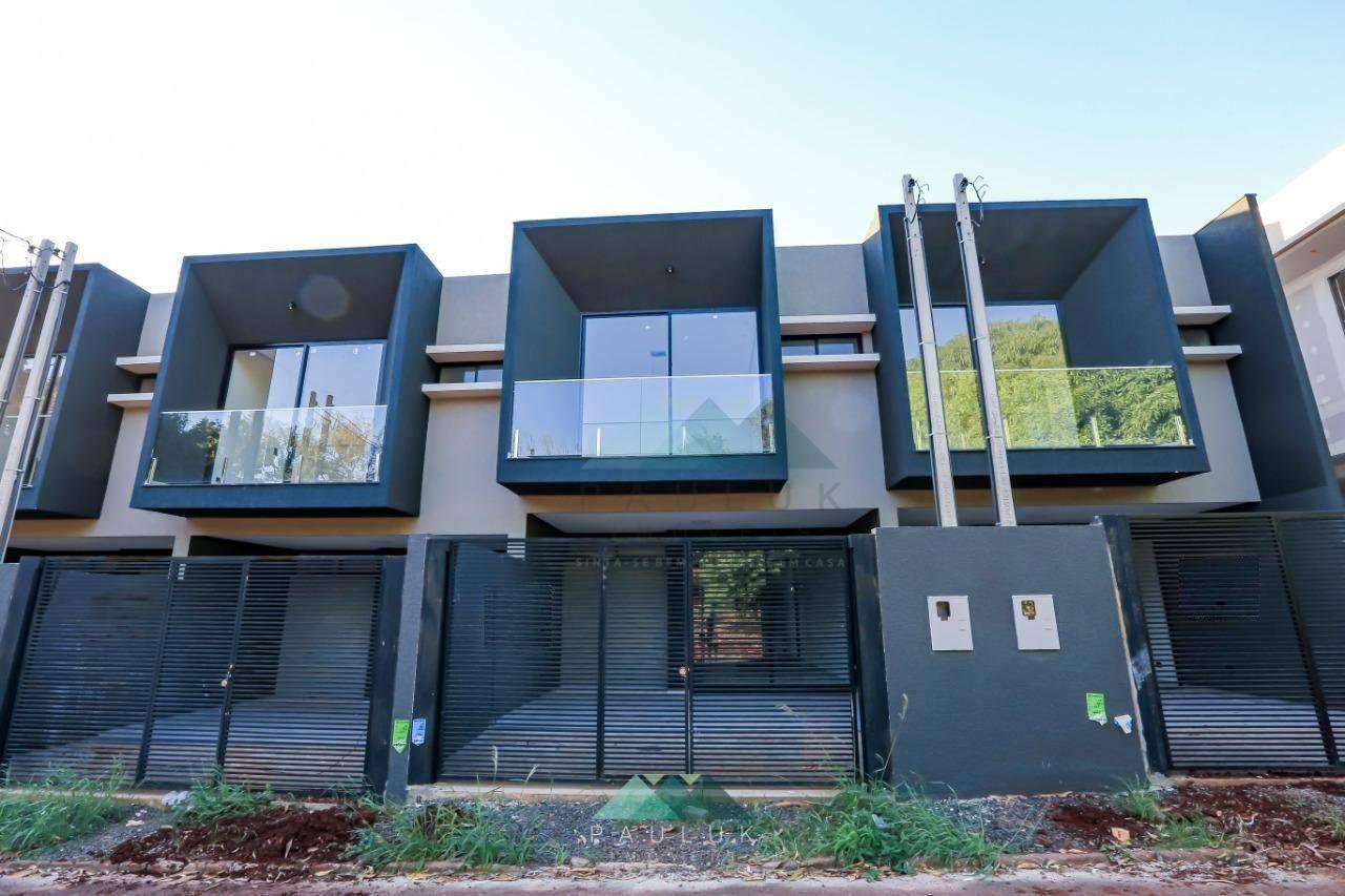 Sobrado com 3 Dormitórios, Sendo 1 Suíte, à Venda, 117 M² Por R$ 450.000 - Jardim das Laranjeiras - | PAULUK IMÓVEIS | Portal OBusca