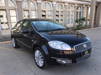 Seminovo: FIAT LINEA ABSOLUTE