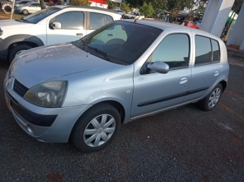 RENAULT CLIO PRIVILEGE 1.6. Seminovo D1 Multimarcas