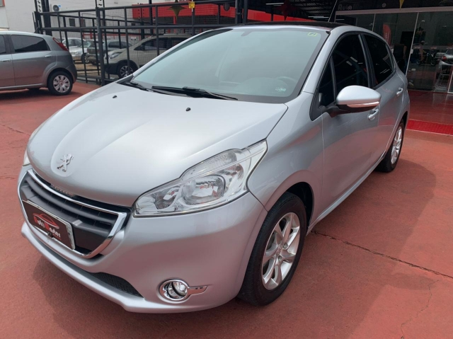 PEUGEOT 208 ALLURE AUTOMASTER VEICULOS