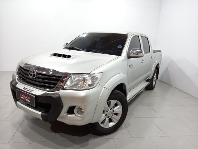 TOYOTA HILUX CD 4X4 SRV AUTOMASTER VEICULOS